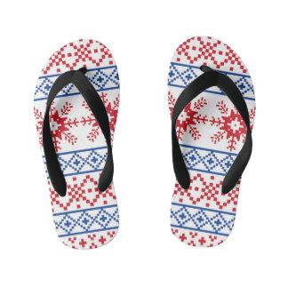 北欧のクリスマスの雪片のボーダー キッズビーチサンダル