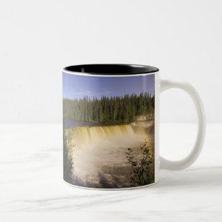 北西エヴァリンFalls Territorial Park女性 ツートーンマグカップ