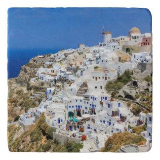 北Santoriniの島ギリシャのOiaの村 トリベット