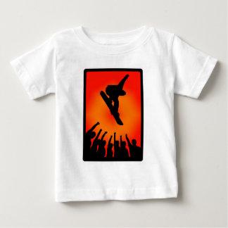 区分されるスノーボードの時間 ベビーTシャツ