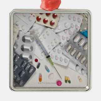 医学のトリートメントで使用される薬剤 メタルオーナメント