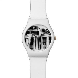 十分に付May28thの腕時計の白バンド 腕時計