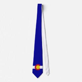 十分のコロラド州の旗の裁ち切り青の背景 タイ