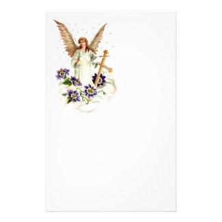 十字およびクレマチスの花との天使 便箋
