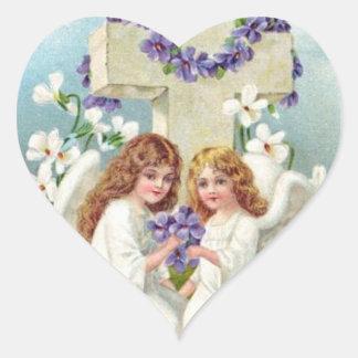 十字および花とのかわいい天使 ハートシール