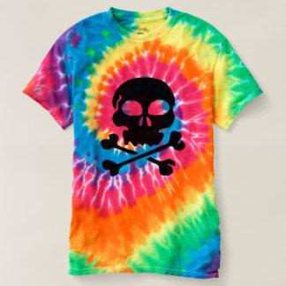 十字および骨のスカルの人の螺線形の絞り染めのTシャツ Tシャツ