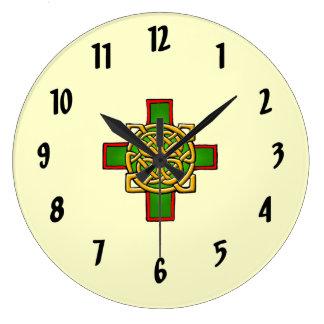 十字のケルト族のデザインの柱時計 ラージ壁時計