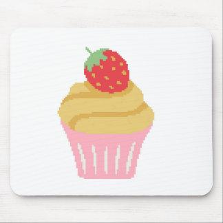 十字のステッチのいちごのカップケーキ マウスパッド