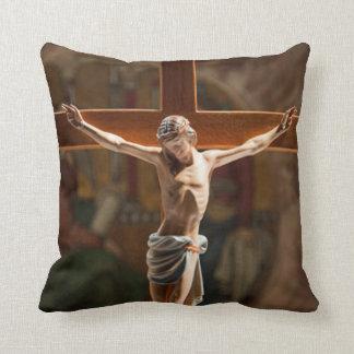 十字の枕のイエス・キリスト クッション