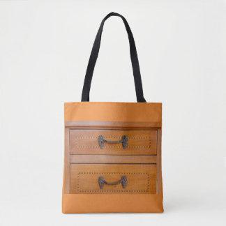 十字の遺体袋の古い家具のクローズアップ トートバッグ