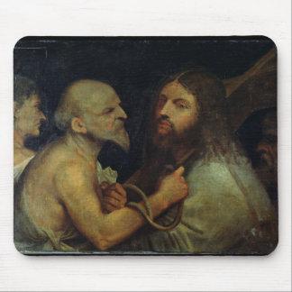 十字を運んでいるキリスト マウスパッド
