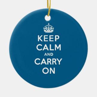 千年間の青のKeep Calm and Carry On セラミックオーナメント