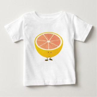 半分のグレープフルーツの微笑のキャラクター ベビーTシャツ
