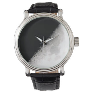 半月の腕時計 腕時計