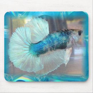 半月のBettaの魚 マウスパッド