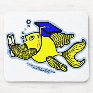 卒業の魚の卒業生 マウスパッド