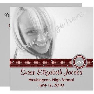 卒業パーティー-灰色及びあずき色の招待 13.3 スクエアインビテーションカード