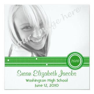 卒業パーティー-緑及び白の招待 13.3 スクエアインビテーションカード