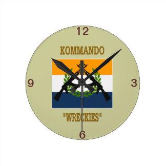 南アフリカのコマンド ラウンド壁時計