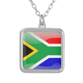 南アフリカの光沢のある旗 シルバープレートネックレス