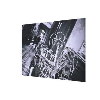 南アメリカ、アルゼンチン、サンTelno。 古い椅子 キャンバスプリント