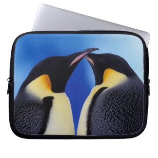 南極大陸のコウテイペンギン(コウテイペンギン属2 ラップトップスリーブ