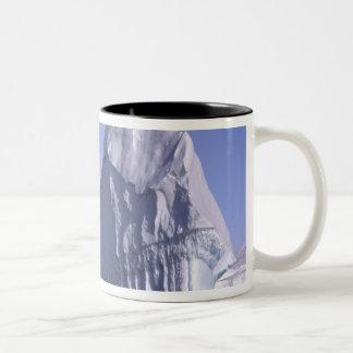南極大陸の南極半島。 Zodiak ツートーンマグカップ