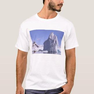 南極大陸の南極半島。 Zodiak Tシャツ