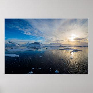 南極大陸。 アデレードの島の近く。 切落し ポスター