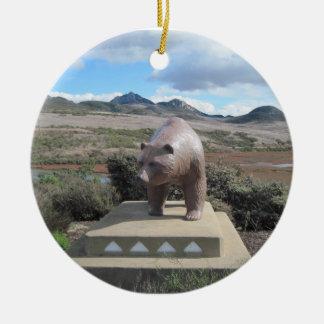 南湾のLos Ososを守るくまの彫像 セラミックオーナメント