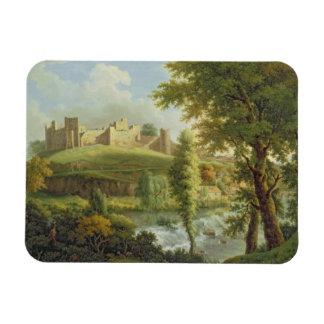 南WesからのDinhamのダムが付いているLudlowの城、 マグネット