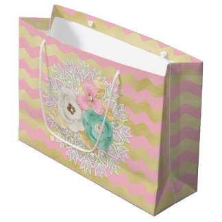 単に魅力的なピンク及び金ゴールドのシェブロンの花柄の誕生日 ラージペーパーバッグ