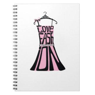 """単語からの女性の服""""私は愛しますファッション""""を ノートブック"""