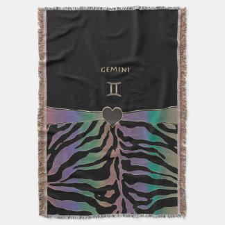 (占星術の)十二宮図の印のジェミニ虹のシマウマのデザイン スローブランケット