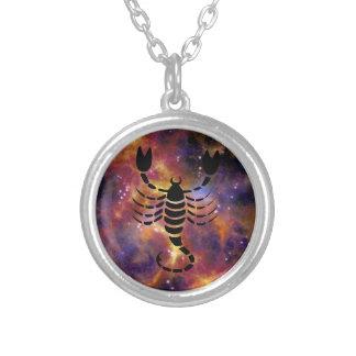 (占星術の)十二宮図の蠍座のネックレス シルバープレートネックレス