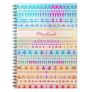 印刷されるモノグラムの幾何学的な民族のボヘミア手 ノートブック