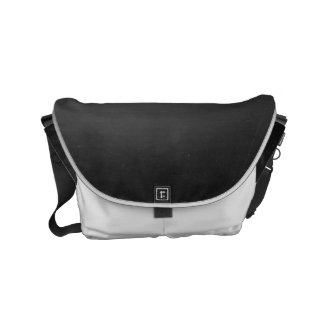印刷される素朴で黒い黒板 スモールメッセンジャーバッグ