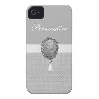 印刷される銀製のカメオのブローチ及び真珠及びハート Case-Mate iPhone 4 ケース