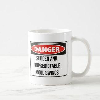 危険の-突然および予測不可能な気分変動 コーヒーマグカップ