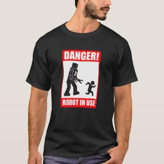 危険! ロボット使用中のTシャツ Tシャツ