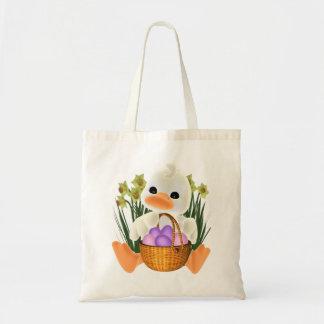 卵のバスケットとの春のイースターアヒルちゃん トートバッグ