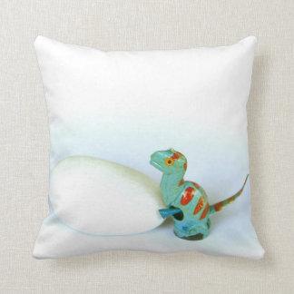 卵の写真の枕クッションを押しているディーノの恐竜 クッション