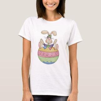 卵のTシャツのイースターのウサギ Tシャツ