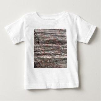 原生代の年齢のフィライトの片岩の表面 ベビーTシャツ