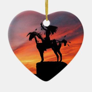 原産のアメリカインディアンおよび馬 セラミックオーナメント