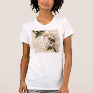 原稿の女性タンクトップのジャスミン花そしてユリ Tシャツ