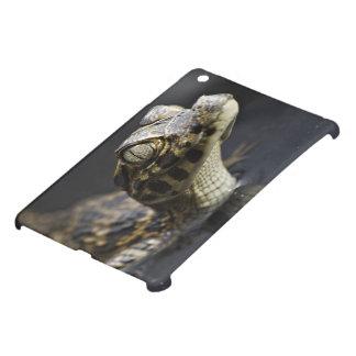 反射の水の若いカイマン iPad MINIケース