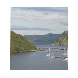 反射の美しい港そしてヨット ノートパッド