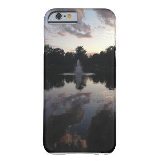 反射プール BARELY THERE iPhone 6 ケース