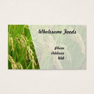 収穫の準備ができた緑豊かな緑の米分野 名刺